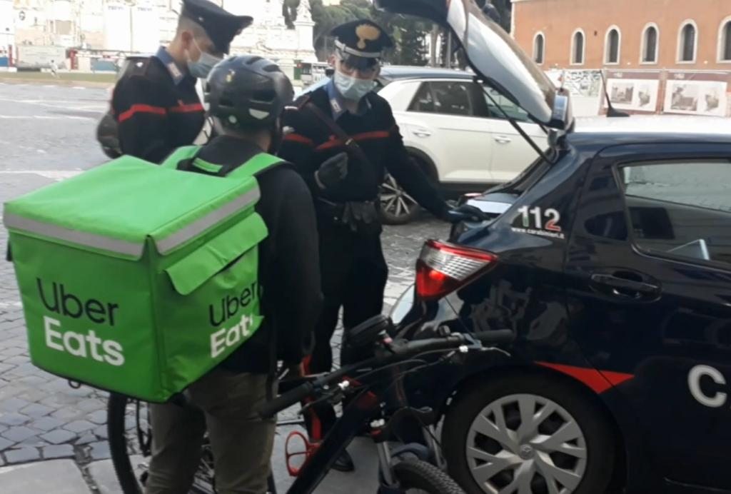 """Rider, maxi-indagine Milano. Pm Greco: """"Non sono schiavi"""". """"Hanno trattamento che nega futuro"""""""