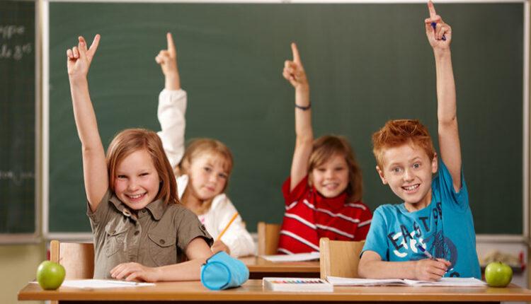 Scuola: Tar Lazio dichiara illegittimo l'uso delle mascherine al banco