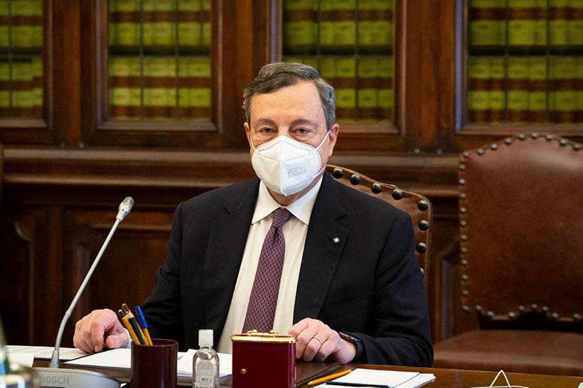 I cinque motivi per cui non possiamo fidarci di Mario Draghi
