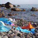 Le mascherine il nuovo incubo per l'ambiente: in appena 1 anno, sono i rifiuti di plastica più abbandonati