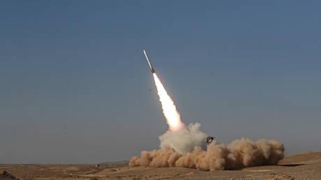 Ministro della Difesa: L'Iran si è impegnato a sviluppare le proprie capacità missilistiche