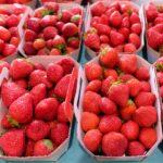 """Pesticidi: indovina quali sono la frutta e la verdura più contaminate? La classifica """"sporca dozzina"""""""