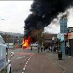 """Cosa succede in Irlanda del Nord? Sesto giorno di scontri e appelli """"alla calma"""""""