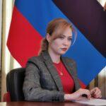 Sul filo del rasoio: intervista al ministro Nikonorova nel mezzo della crescente tensione tra Kiev e il Donbass