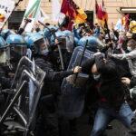 Migliaia di lavoratori Alitalia e delle grandi aziende in crisi sotto Palazzo Chigi