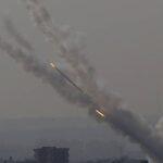 Diverse città di Gaza sotto gli attacchi missilistici di Israele