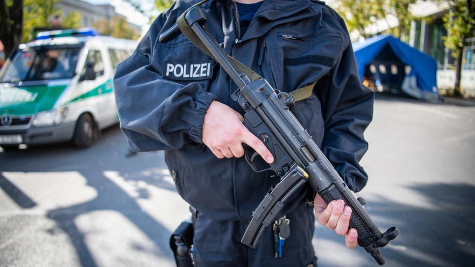 Germania: smantellata una delle più grandi piattaforme di pornografia infantile del mondo