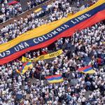 """La Colombia arde - Non è per la """"riforma tributaria"""", è fame e dignità"""