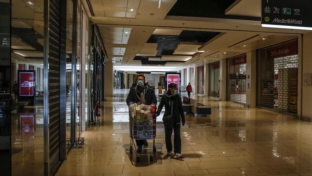 Protestano centri commerciali, serrata 30mila negozi