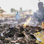 Sai cosa succede davvero alla plastica riciclata? Viene esportata e bruciata