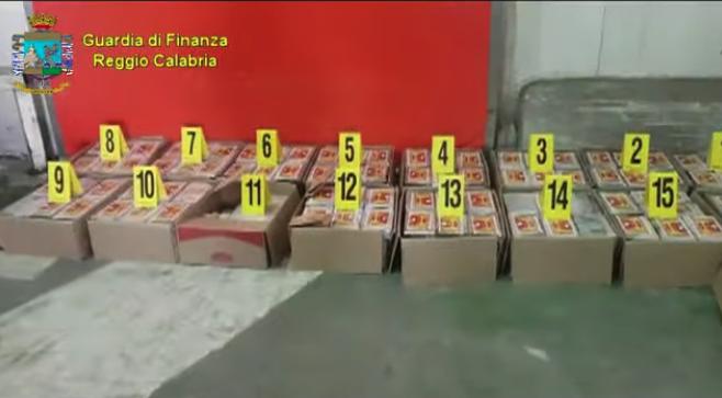 Narcotraffico, sequestrati oltre 400 kg di cocaina da Gioia Tauro fino al Kosovo