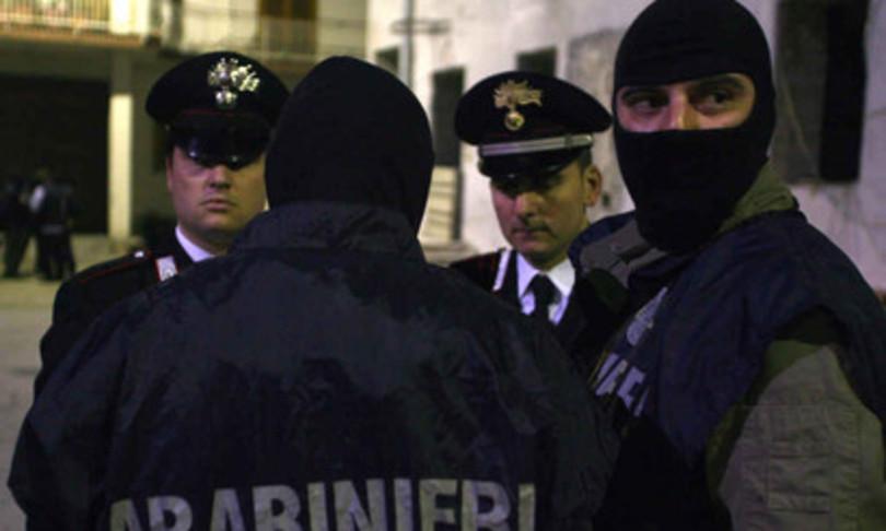 """Smantellato gruppo neofascista, """"Miss Hitler"""" era in contatto con ex pentito di 'Ndrangheta"""