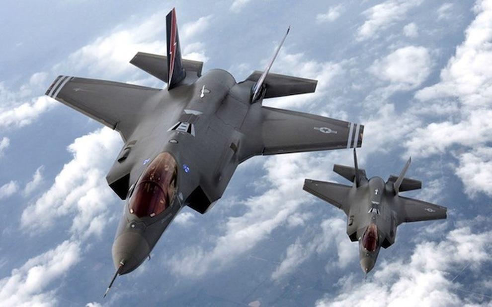 Gli aerei israeliani si addestrano in Italia a bombardare l'Iran. Fermiamoli!