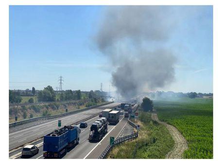 A1 chiusa per incidente nel Piacentino, morti due camionisti