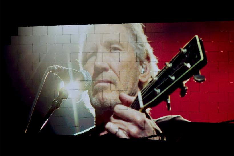 """""""Fanculo! Assolutamente no!"""", Roger Waters straccia l'offerta di Zuckerberg"""