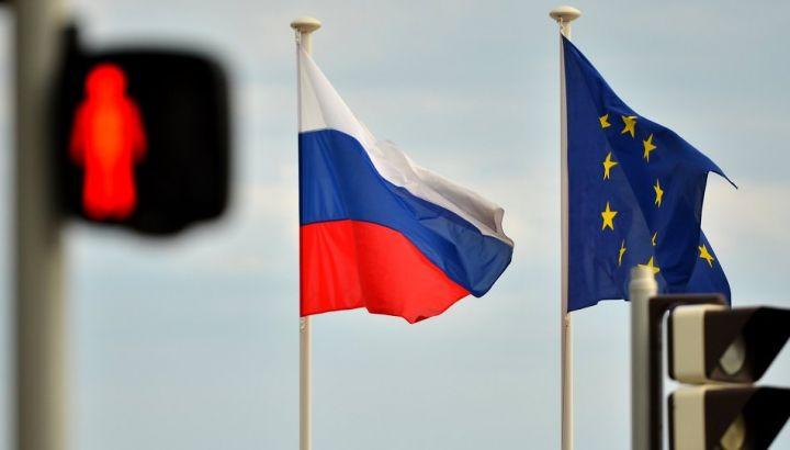 La UE impone sanzioni ma pretende che le sue imprese facciano affari in Russia