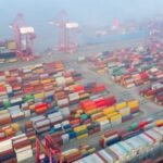 Bloccate le filiere produttive. Volkswagen,Toyota, Stellantis tagliano produzione. Container fermi in Cina