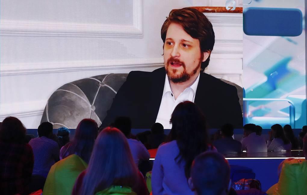 Snowden: le azioni dei giganti della tecnologia aprono la strada agli stati per il controllo dei dati personali