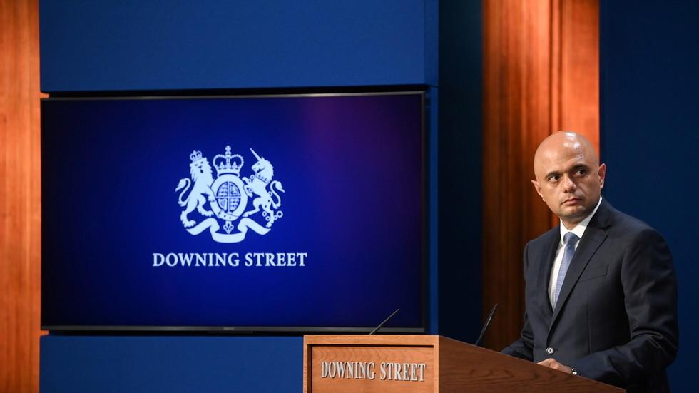 Il ministro della salute del Regno Unito afferma che il governo non introdurrà nessun pass per il Covid