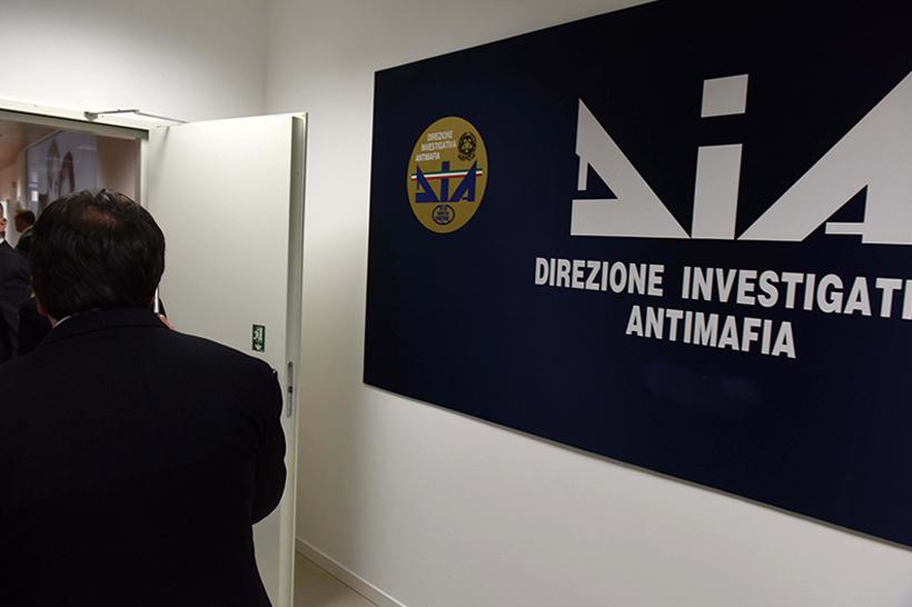 "Mafia: Dia Trieste ha sgominato sistema estorsivo inquietante. Morra: ""La Politica rifletta"""