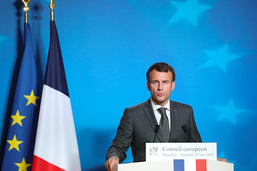 """Scoppia il caso """"Subgate"""": l'ira della Francia e la lenta morte della NATO"""