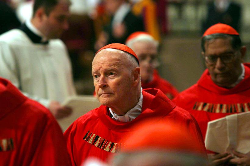 L'ex cardinale americano Theodore McCarrick a processo per pedofilia