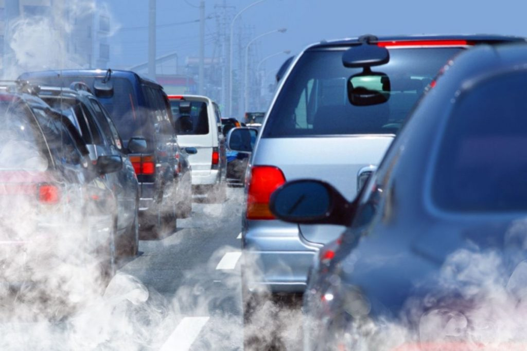 Respirare aria inquinata danneggia il nostro cervello e indebolisce la memoria, secondo uno studio italiano