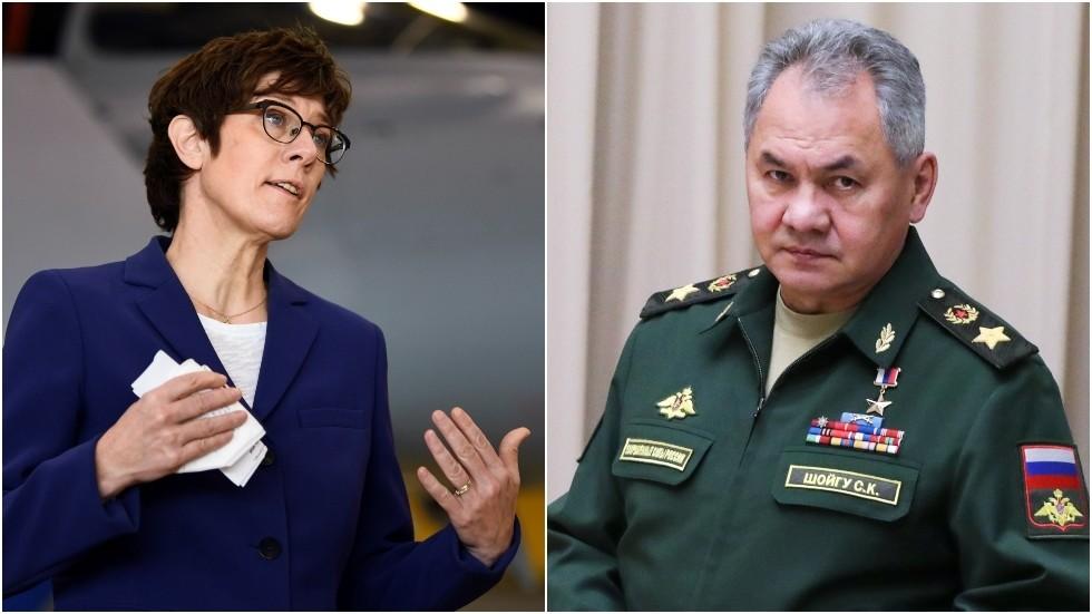 """La NATO non è pronta per un dialogo equo, mentre il ministro della difesa tedesco avverte che l'alleanza è pronta a """"convincere"""" Mosca con le armi nucleari"""