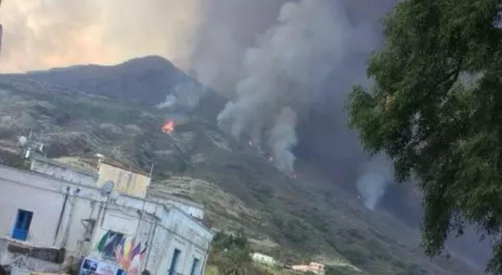 Vulcano Stromboli, forte esplosione preoccupa abitanti e turisti